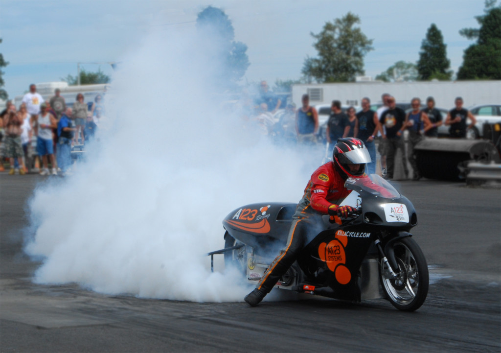 KillaCycle_burnout_Woodburn_2008
